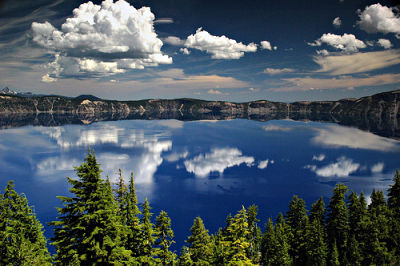 Picture of Crater Lake, Oregon