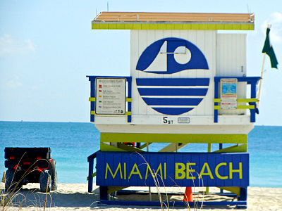 Photo of a lifeguard hut on Miami Beach