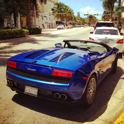 Photo of a Lamborghini in Miami Beach, Florida