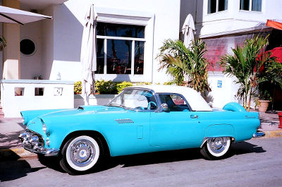 Photo of a classic car on Miami Beach, Florida