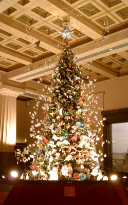 Photo of the origami decorated holiday tree at the American Museum of Natural History in New York City