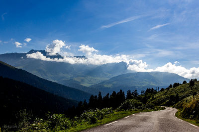 Photo of a road in the Pyrenees